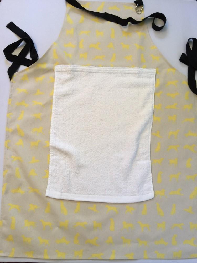 Yellow Labrador Apron with detachable towel